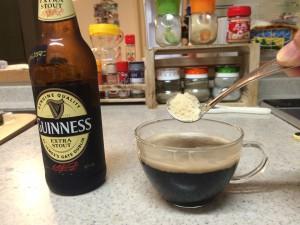 スタウト黒ビールに砂糖を投入