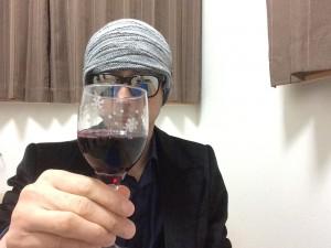 アルパカ カベルネ・メルロー グラスに注いだところ