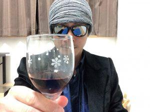 フロンテラカベルネ・ソーヴィニヨン グラスに注いだところ