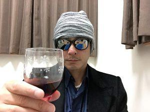 インドミタ グラン・レセルバ ピノ・ノワールのグラスを持ってみた