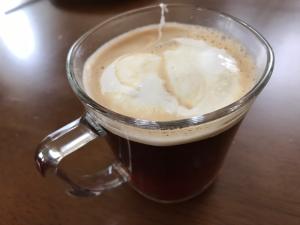フラフ マシュマロクリームバニラをコーヒーに